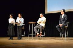 女優の由美かおるさん(左端)らが参加した健康トークショー=県民文化センター