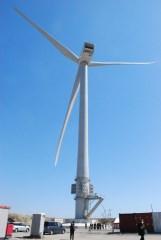 日立製作所が建設した国内最大の風力発電装置=神栖市東和田