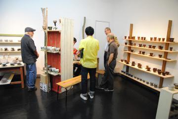 陶芸家11人の創作コーヒーカップを集めた展覧会=ひたちなか市共栄町