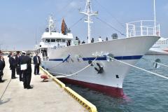 竣工を祝った海洋高の新実習船「鹿島丸」=大洗町港中央