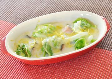 白菜とサーモンの米粉グラタン