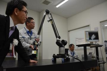 レーザーで立体形状を読み取り、3Dプリンターで造形できる設備などがそろう「IoT/食品棟」=茨城町長岡の県工業技術センター