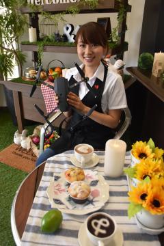水戸でドローンカフェを営む 荻津優さん