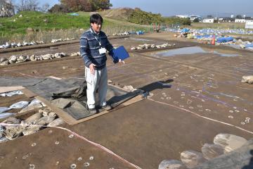 本年度の調査で確認された庭園へと続く園路=桜川市真壁町古城