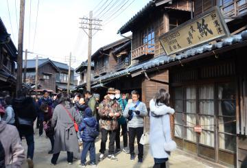 26日から一般公開されたワープステーション江戸の「近現代エリア」=つくばみらい市