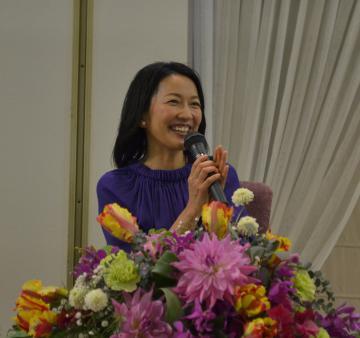 ユーモアを交えながら茨城の良さについて語る羽田美智子さん=水戸市白梅