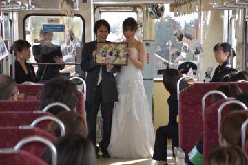 列車を貸し切って結婚式プランを演出したイベント=鹿島臨海鉄道大洗鹿島線