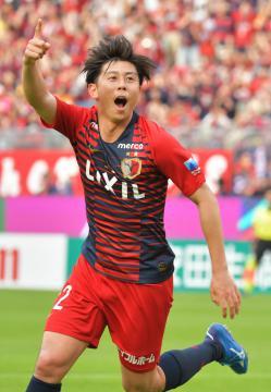 鹿島-清水 後半27分、3点目のゴールを決めて喜ぶ鹿島・安西=カシマスタジアム、鹿嶋栄寿撮影
