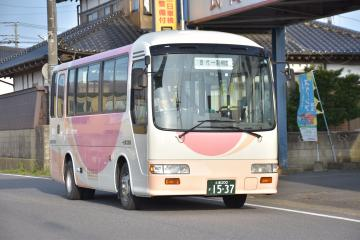 2020年3月で廃止予定の桜東バス十余島線=稲敷市結佐