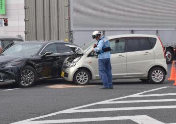 交差点で起きた衝突事故(本文とは関係ありません)=2018年9月、水戸市