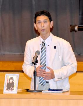 生徒たちに対し命の大切さを語る佐藤清志さん=鹿嶋市津賀の市立大野中