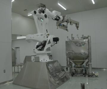 第3SD棟に導入されたロボット=阿見町吉原