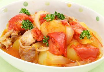 新ジャガ芋と豚肉のトマト煮