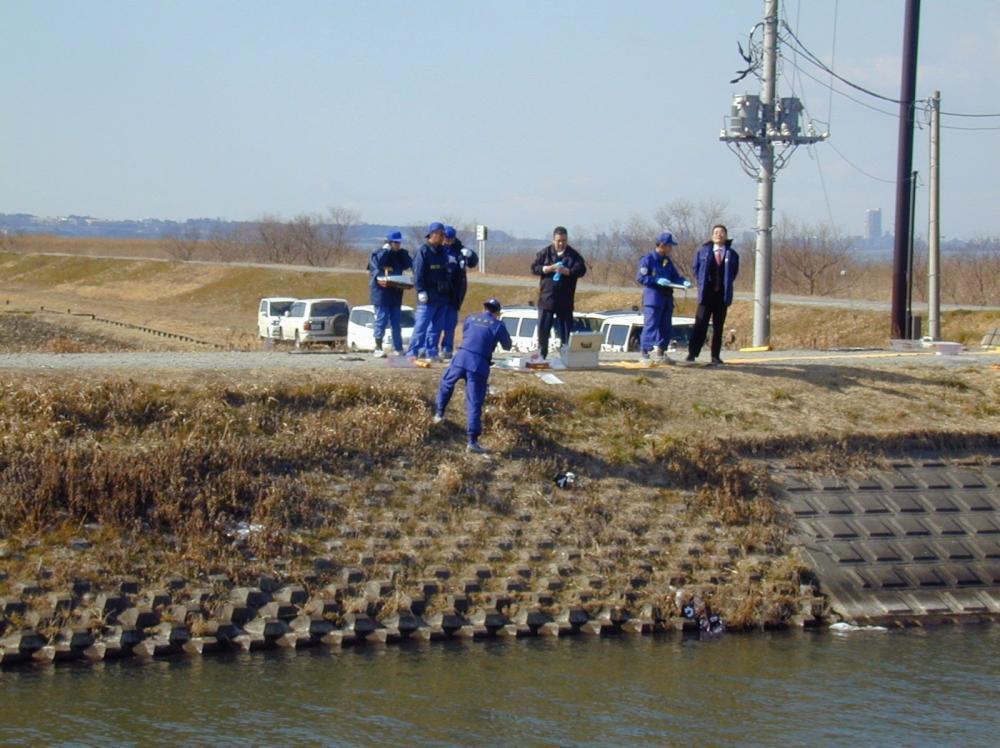 茨城大の女子学生が遺棄されていた現場=2004年1月31日午後1時ごろ、美浦村舟子
