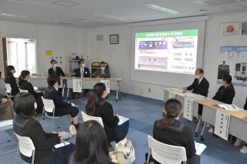 龍ケ崎でフォーラム 高校生ら公共交通考える 鉄道やバス、継続探るの画像