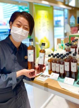 販売を始めた「ミントシロップ」=東京・銀座の県アンテナショップ「イバラキセンス」