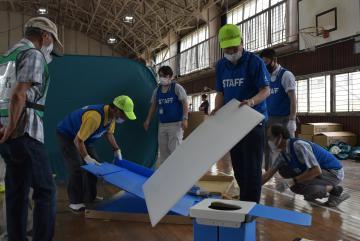取手市 居住空間の設置確認 避難所運営、住民と訓練の画像