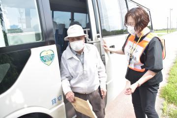 コロナワクチン接種 交通弱者、支援の動き 茨城県内自治体 バス運行、タクシー補助の画像