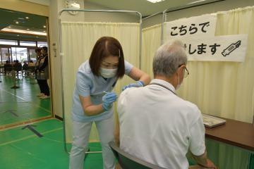 高齢者コロナワクチン接種 茨城の自治体、「7月末完了」に苦心 派遣、協力で枠確保の画像