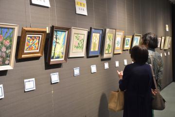 常総美術会が絵画の作品展 水墨、油彩など67点の画像