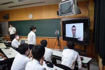 竜ケ崎一高で外務省講座 海外とつながり、大切にの画像