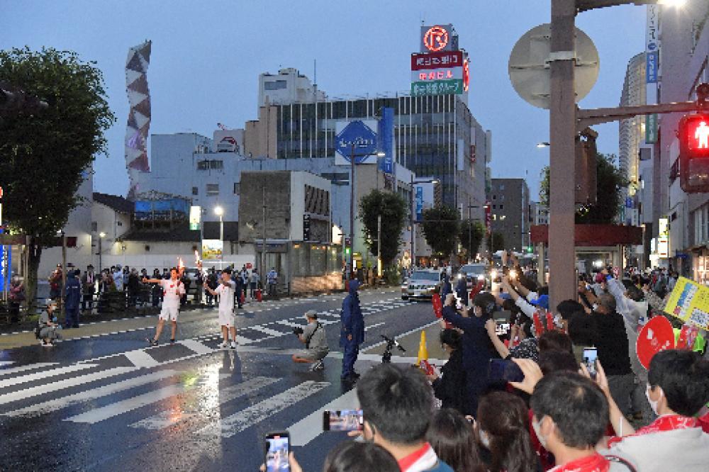 茨城県で行われた聖火リレー=4日、水戸市内