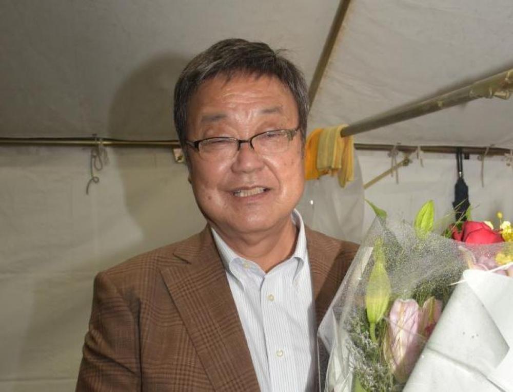 利根町長再選の佐々木さん 対話大切に町政運営の画像