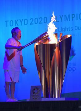 東京五輪聖火リレー、茨城完走 178人つなぎ、埼玉への画像