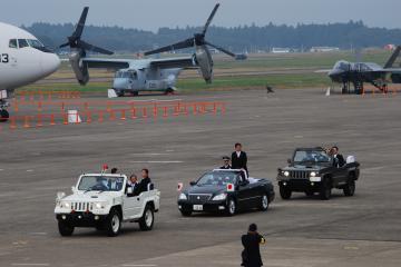 航空自衛隊百里基地の航空観閲式で公開された米軍のオスプレイ=2014年10月26日、小美玉市百里