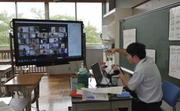 茨城・守谷の小中学校 夏休み明け、オンライン授業開始 コロナクラスター防止を最優先の画像