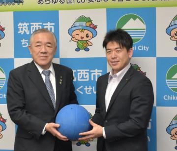 茨城・筑西 「パリへ一歩ずつ」 東京パラゴールボール 山口選手が市長表敬の画像