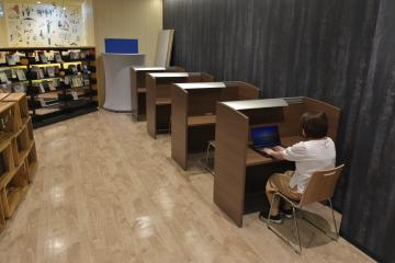 図書館分館でテレワーク席利用可能に 茨城・龍ケ崎 14日から需要増での画像