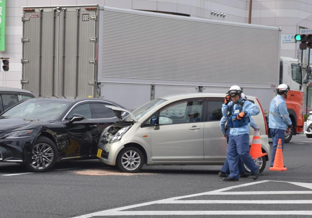 交差点で起きた衝突事故(本文とは関係ありません)