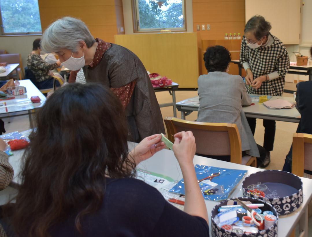 布絵本作りに挑戦 茨城・守谷でワークショップの画像